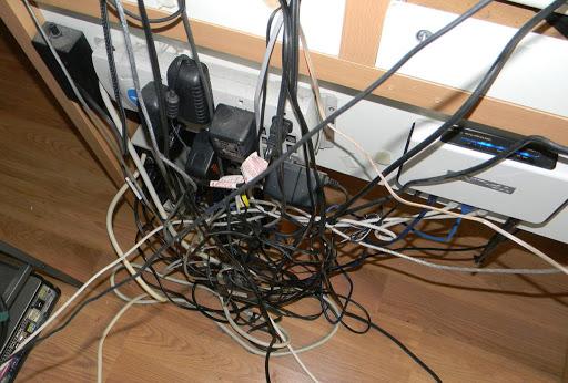 6 способов спрятать провода, когда ремонт уже сделали