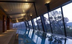 Бассейн в доме: строительство и проектирование, фото