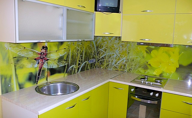 Дизайн кухни в хрущевке🏢 - лучшие советы по обустройству помещения с фото
