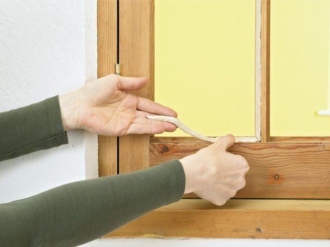 🏡Инструкция по заклейке и утеплению деревянных окон на зиму - Блог о строительстве