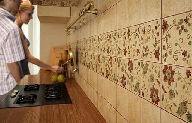 Из чего лучше сделать фартук на кухню - сравниваем популярные материалы