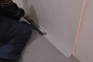 Как клеить стеклообои под покраску - теория, расчеты, практика правильной поклейки