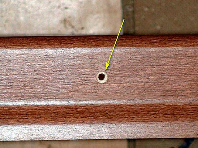 Монтаж деревянного плинтуса своими руками - несколько вариантов с пошаговой инструкцией