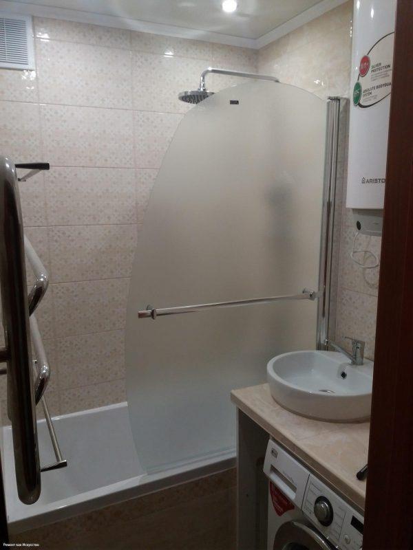 Муж потратил больше месяца, чтобы сделать обалденный ремонт в ванной! Фото до и после - StroyDay.ru