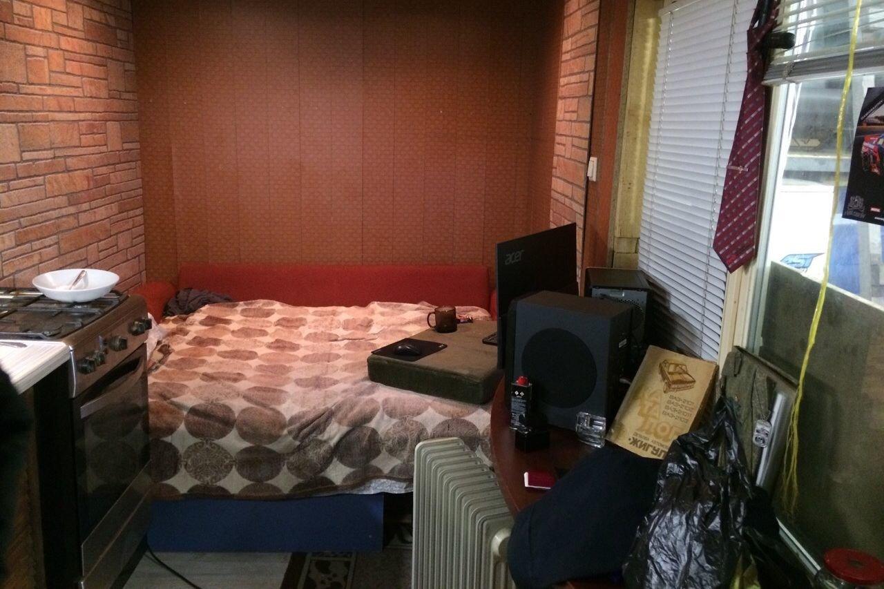 Переоборудовал гараж в квартиру, теперь ночую там и работаю