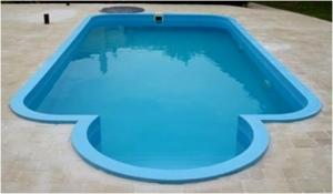 Пластиковые бассейны: установка чаши бассейна, фото