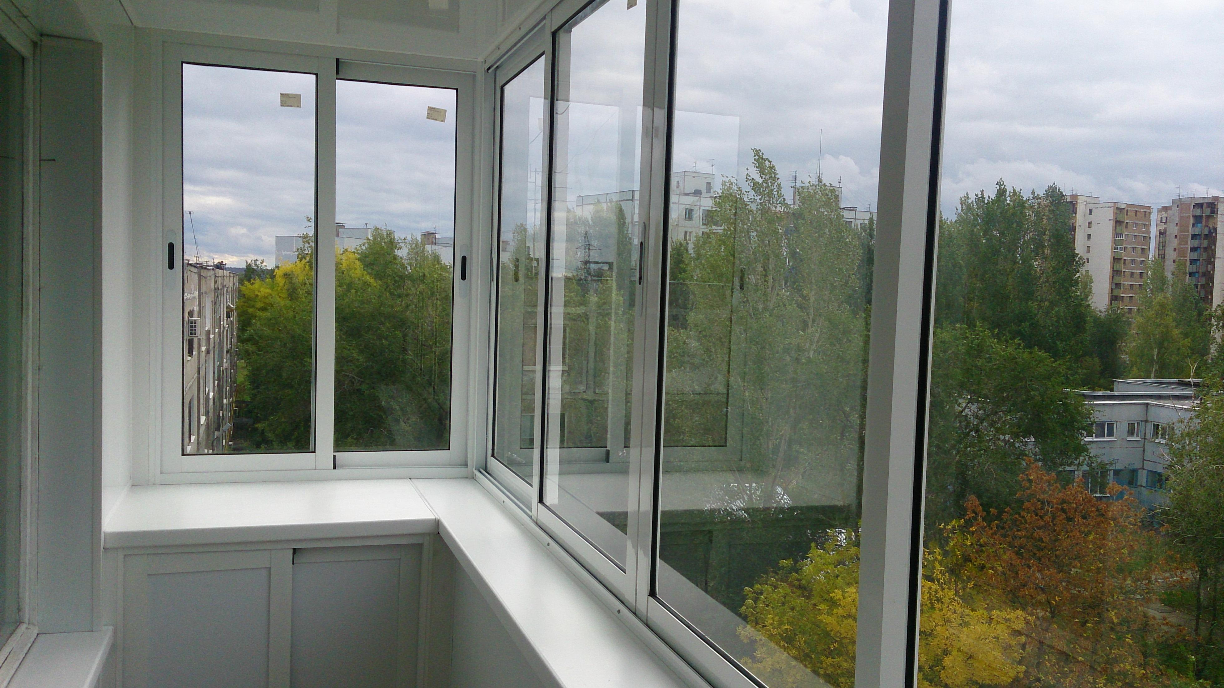 Различные варианты алюминиевого остекления балконов