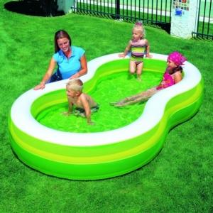 Семейные бассейны, фото / Семейный отдых для детей в бассейне с водой