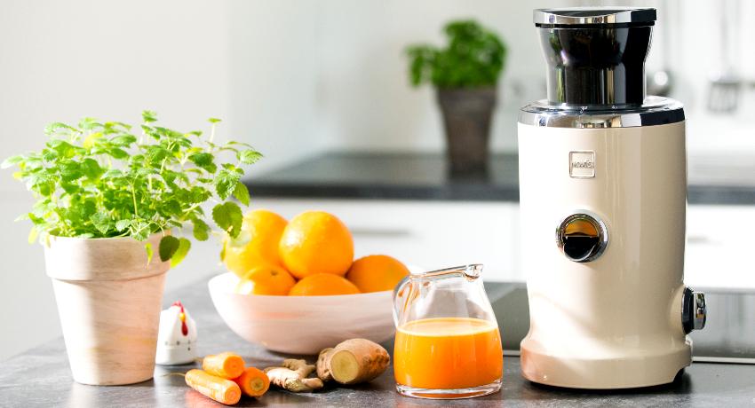 Шнековые соковыжималки: максимум полезных веществ в каждом стакане