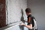 Штукатурка стен без маяков своими руками - принципы выполнения и несколько наглядных пошаговых примеров