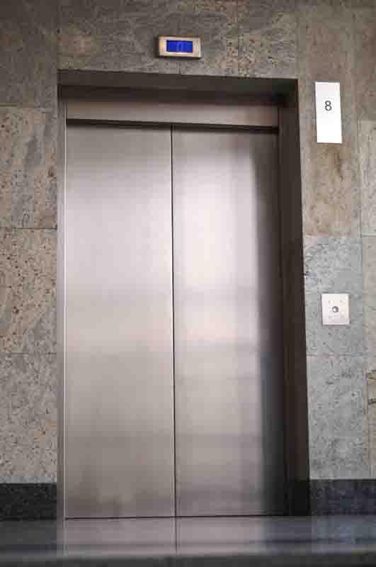Порталы для лифтов из металла: коротко о главном