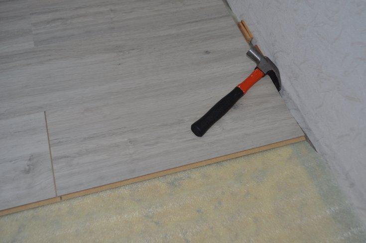 Укладка ламината своими руками - порядок и технология сборки, особенности выполнения работ. Фото пошагового проведения работ.
