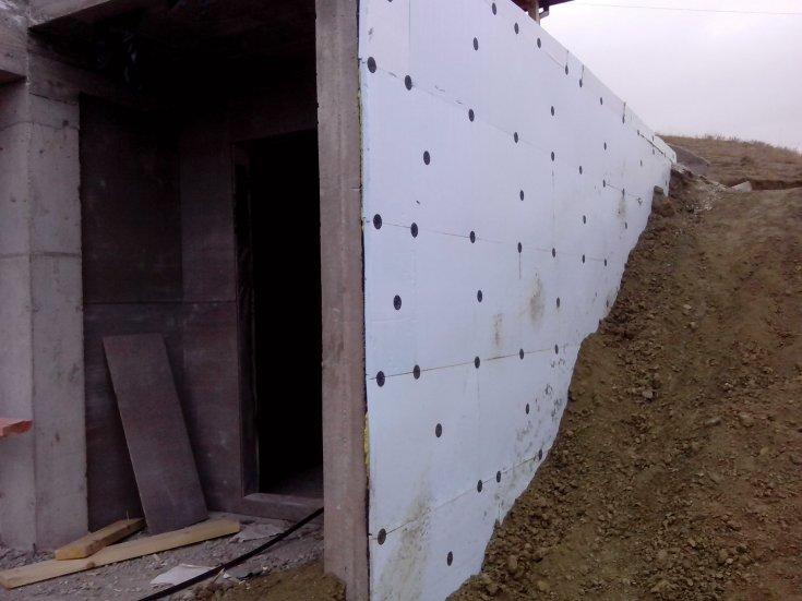 Утеплить фундамент своими руками - как делается цокольная отделка и утепление подвала (105 фото)